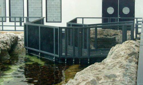aquarium-walkway